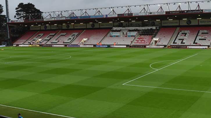 Dean Court läktare tillhörande A.F.C Bournemouth. Boka fotbollsresor och biljetter till Bournemouth och se Premier League live i England