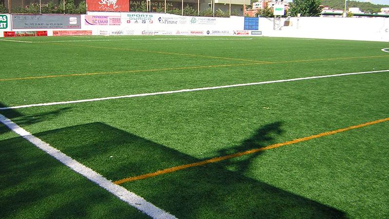 Toppa formen med ett fotbollsläger